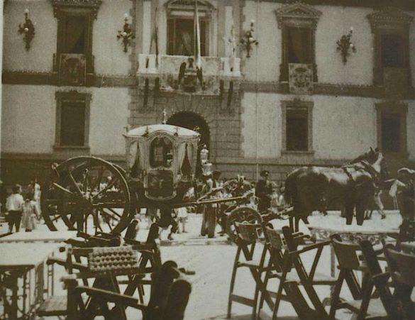 Carroza en Plaza de Carmen Ayuntamiento de Granada