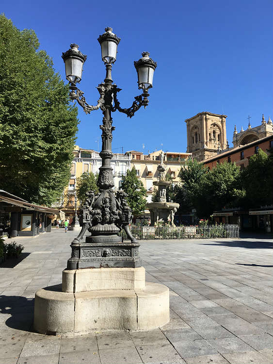 Fuente de los Gigantones Plaza de Bib-Rambla Granada