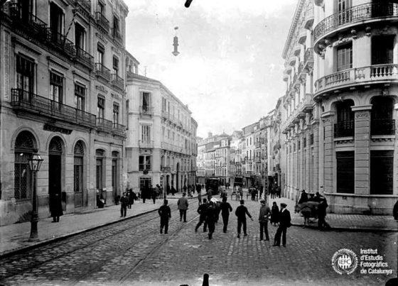 Calle Reyes Catolicos 1962. Granada.