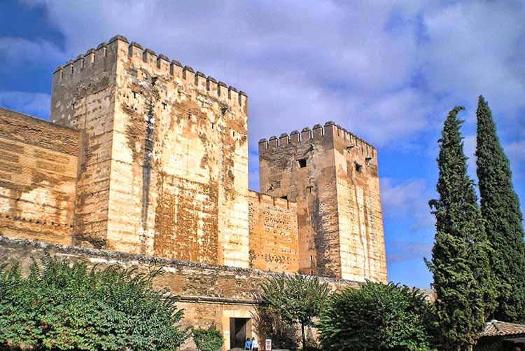 Torre del Homenaje Featured