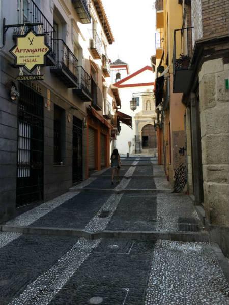 Teterías en Granada. Calle Calderería Nueva.