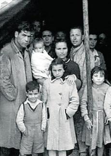 Sepelio de algunas de las víctimas del terremoto de Albolote.
