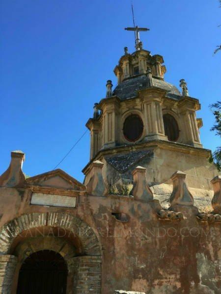 Entrada a las catacumbas de San Cecilio en la Abadía del Sacromonte