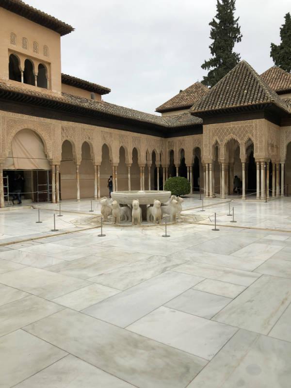 Patio de los Leones en la Alhambra