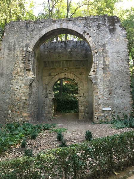 La Puerta en los bosques de la Alhambra.