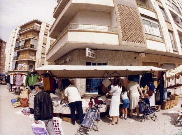 Avenida Don Bosco antigua. Marcha Verde. Bar Morenito. Ahora junto a La Isla. Granada 1