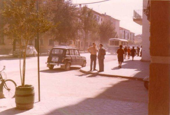 Avenida de Dilar, a la altura de Muebles Brasilia. Imagen de Carmen Requena. Años 70