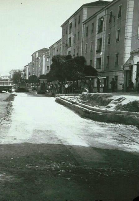 Avenida de Dilar antigua, asfaltando. Zaidin. Granada