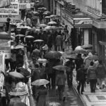 Calle Mesones con lluvia. Granada