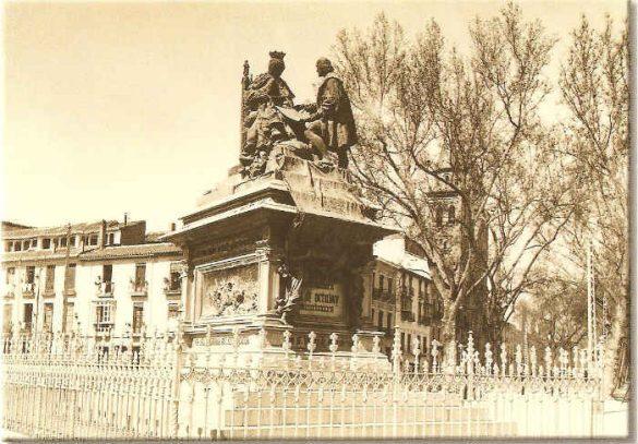 Monumento de Isabel y Colon en el Humilladero Granada 2