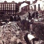 Obras en la calle Ganivet, destaparon restos de la Manigua. Años 40