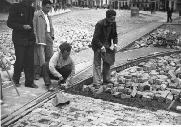 Obras en la calle Reyes Católicos en los años 40 b