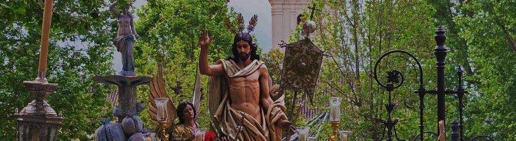 Nazarenos de Nuestro Señor de la Resurrección y Santa María del Triunfo
