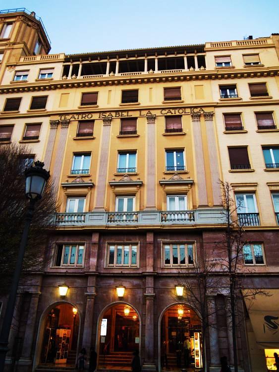 Fachada exterior del Teatro Isabel La Catolica Granada