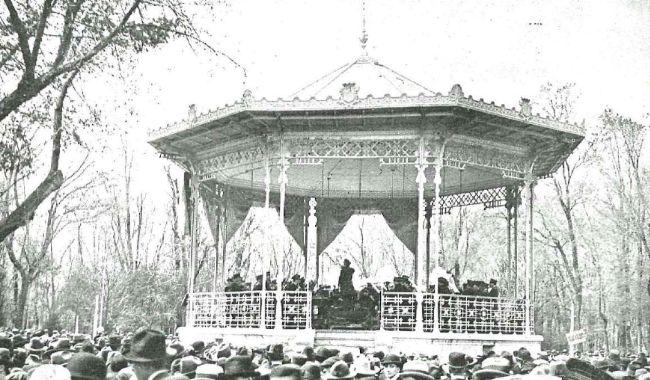 Quiosco del Paseo del Salón en 1918
