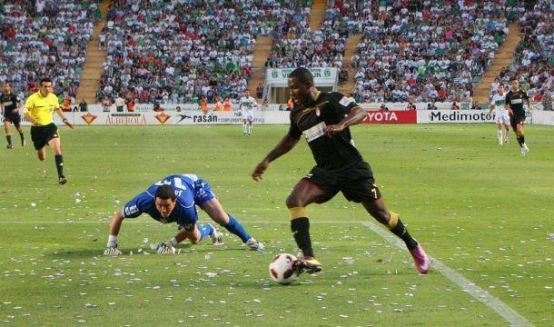 Gol Ighalo al Elche para subir a Primera División