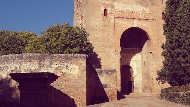 la puerta de la justicia alhambra granada