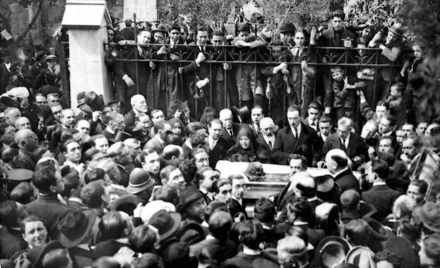 Llegada del féretro de Ángel Ganivet a Granada | ideal.es