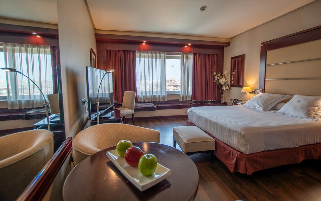 Hotel Andalucía Center Granada