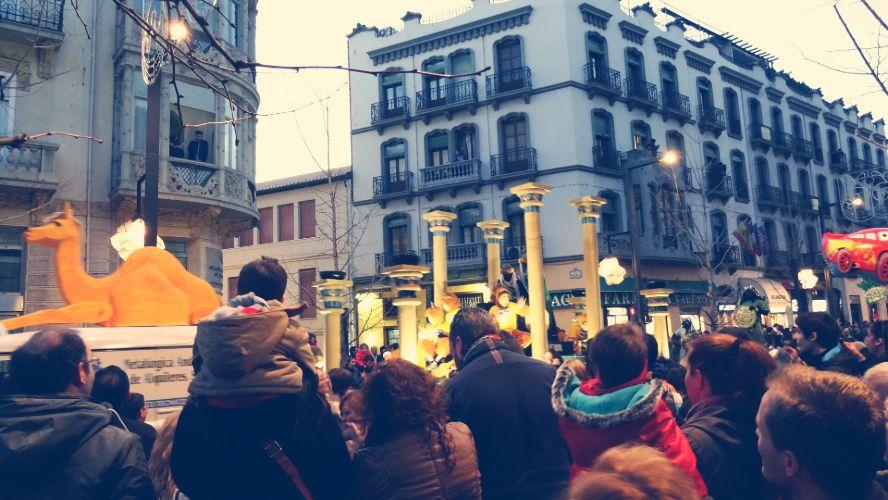 Cabalgata de los Reyes Magos por la Gran Vía de Granada