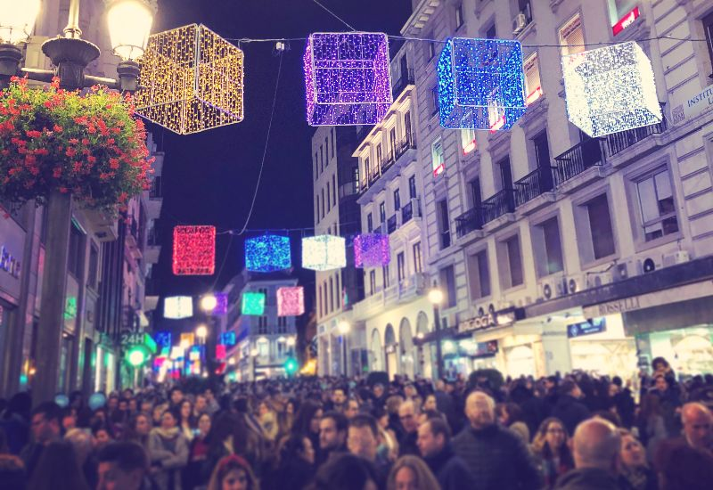 Una calle granadina en Navidad