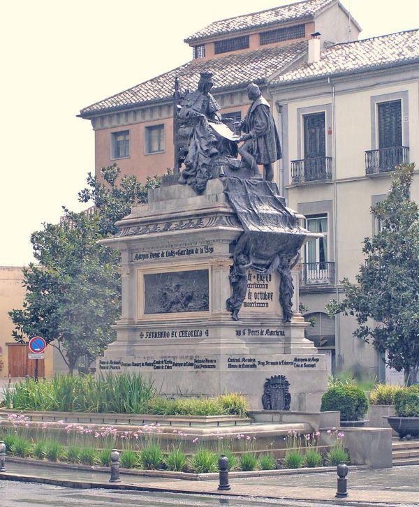 monumento a isabel la catolica y colon granada