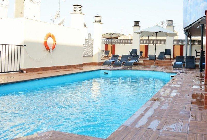 Hotel Corona de Granada piscina