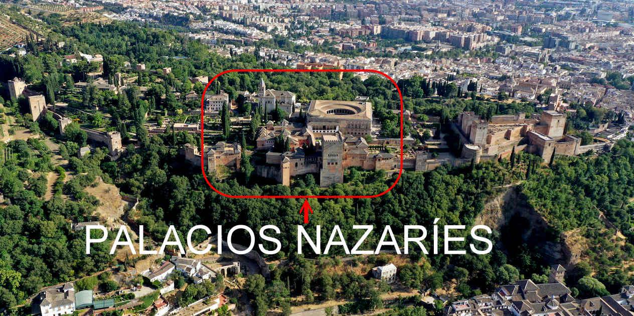 Vista aérea de la Alhambra. Dentro del recuadro rojo se encuentran los Palacios Nazaríes